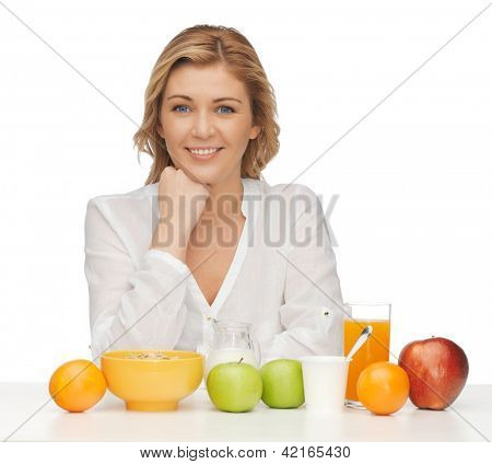 picture of woman in casual clothes with healthy breakfast