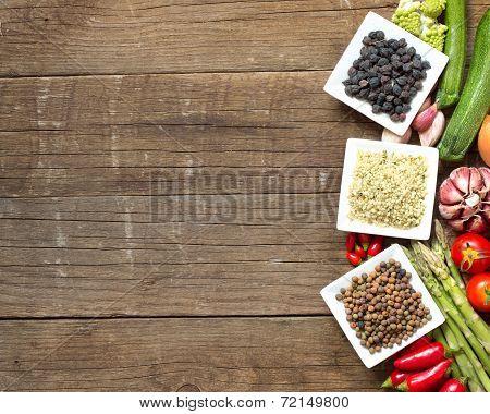 Roveja, Hemp Seeds, Black Chickpea And Vegetables