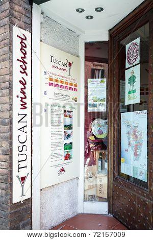 The Tuscan Wine School In Siena