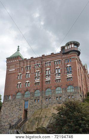 Hilltop Building