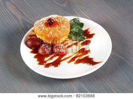 Restaurant Food - Muffin Cake Dessert