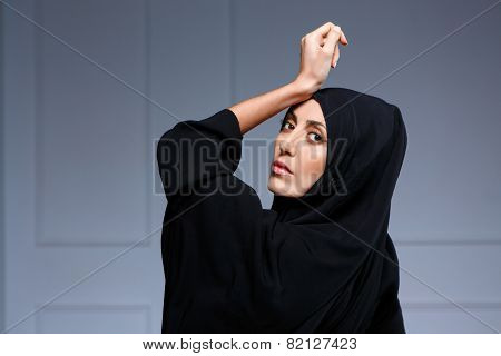 Beautiful muslim woman posing in chador