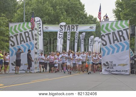 Start Of The Asheville Color Run