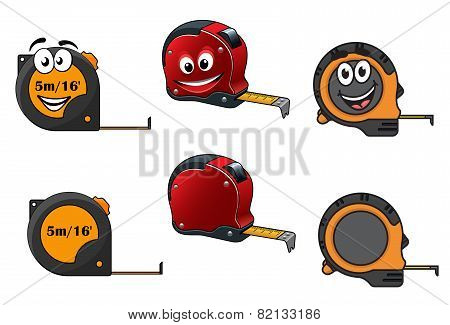 Set of retractable tape measures