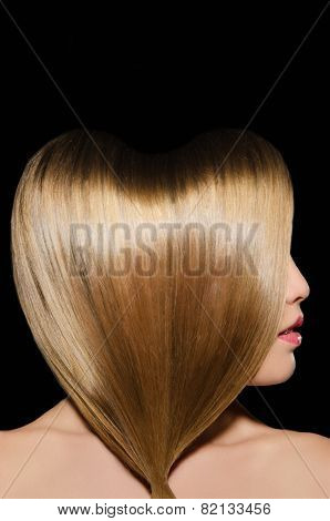 Beautiful Blonde Hairstyle In Shape Of Heart