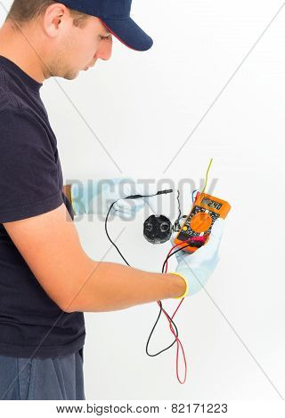 Handyman Measuring Voltage