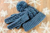 pic of knitted cap  - mittens knitting cap and christmas - JPG