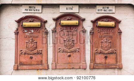 Antiques Mailboxes