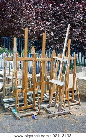 outdoor easels, art school: easels out into the yard school