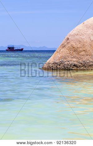 Asia In The  Kho Tao Bay Isle White  Beach    Rocks House Boat   Thailand  And