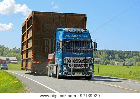 Volvo FH Hauls Wide Load Along Highway