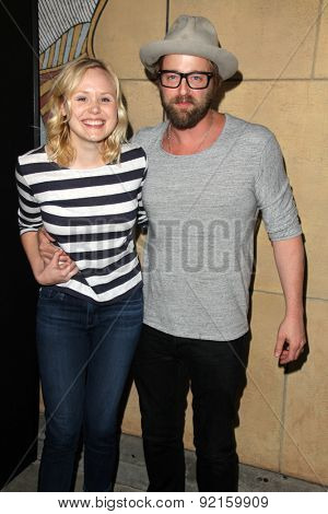 LOS ANGELES - MAY 6:  Alison Pill, Joshua Leonard at the