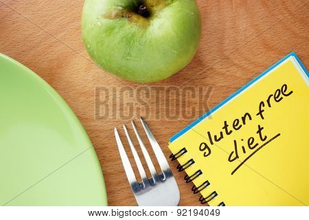 Notepad with words gluten free diet