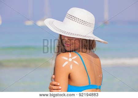 summer woman sun tan skin care concept