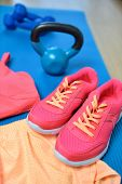image of yoga mat  - Gym shoes  - JPG