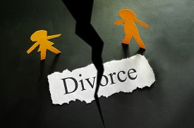 picture of divorce-papers  - torn piece of paper with divorce text and paper couple figures - JPG