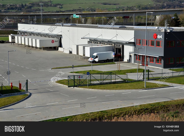 dolny hricov slovakia april 13 2016 modern logistics center of international parcel delivery. Black Bedroom Furniture Sets. Home Design Ideas