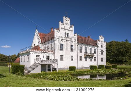 Wanas Slott is a castle in Ostra Goinge Municipality Scania in southern Sweden. It is situated to the west of Knislinge.