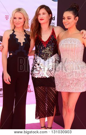 LAS VEGAS - MAY 22:  Kristen Bell, Kathryn Hahn, Mila Kunis at the Billboard Music Awards 2016 at the T-Mobile Arena on May 22, 2016 in Las Vegas, NV