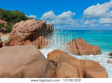 Rocky Beach LaDigue Stones