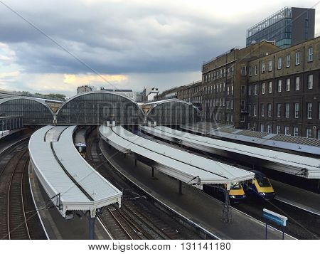 LONDON - MAY 23: Overhead view of the platforms on May 23, 2016 at Paddington Train Station in London, UK.