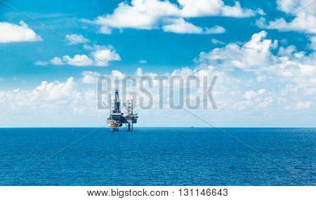 Offshore Rig Production Platform in the Middle of Ocean for Oil and Gas Production