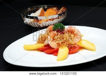 Cook Shrimp With Mango