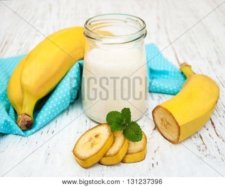 Bananas  With Yogurt