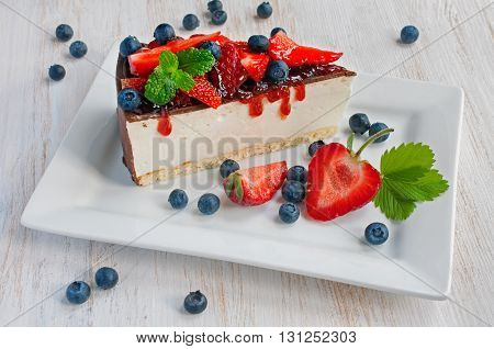 Cheesecake With Fresh Strawberry And Blueberry