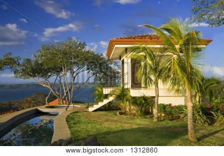 Idyllic Tropical Retreat
