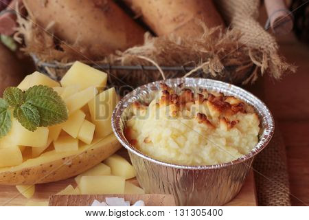 Mashed potatoes and fresh potatoes is delicious
