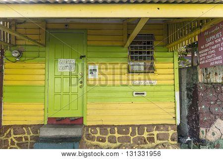 Scenic Wooden Hut In The Quarter Carib Territory In Roseau