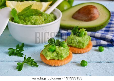 home pate of avocado and green peas with mint