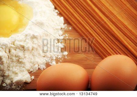 Backzutaten, Milch, und Gebäck, isolated on white background