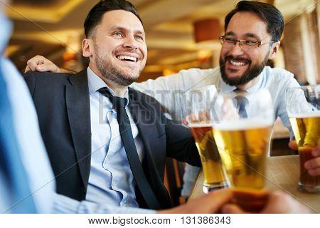 Talking by beer