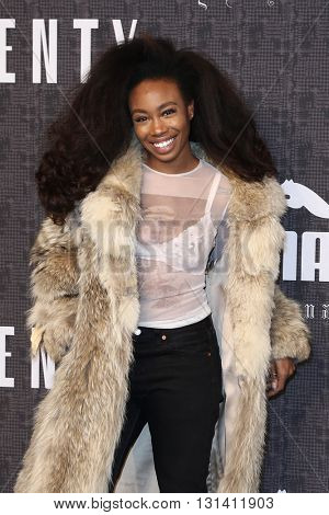 NEW YORK-FEB 12: Singer Sza attends the FENTY PUMA by Rihanna AW16 Collection during Fall 2016 New York Fashion Week at 23 Wall Street on February 12, 2016 in New York City.