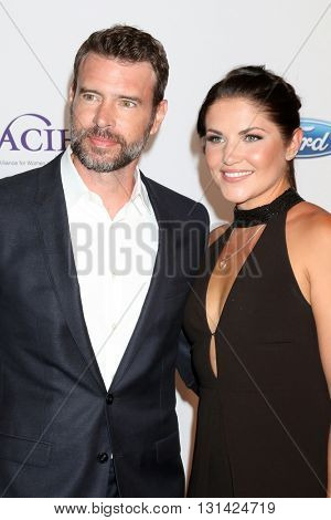 LOS ANGELES - MAY 24:  Scott Foley, Marika Dominczyk at the 41st Annual Gracie Awards Gala at Beverly Wilshire Hotel on May 24, 2016 in Beverly Hills, CA