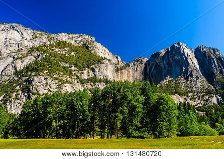Lower Yosemite Fall Trail, Yosemite Valley, California, Usa
