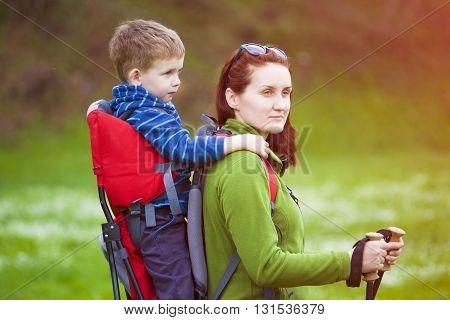 Mom And Child Traveling The World.