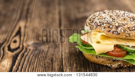 Bagel With Cheese (gouda)