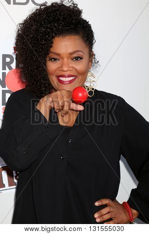LOS ANGELES - MAY 26:  Yvette Nicole Brown at the Red Nose Day 2016 Special at Universal Studios on May 26, 2016 in Los Angeles, CA