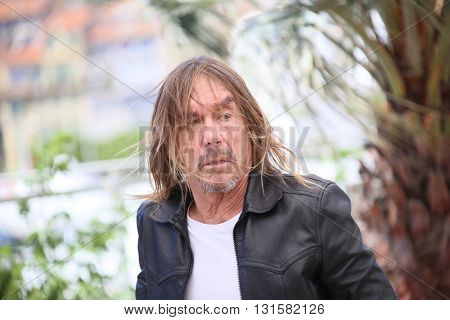 CANNES, FRANCE - MAY 19: Iggy Pop attends the 'Gimme Danger' photocall during the 69th annual Cannes Film Festival at Palais des Festivals on May 19, 2016 in Cannes, France.