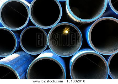 picture of a pile of pvc pipe