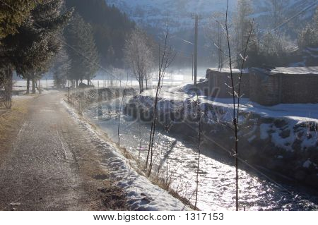 Simmetal Rivere In Lenk In Winter