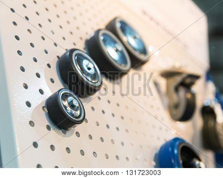 Wheels on the showcase