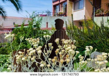 Valparaiso, Chile - November 01 2014: Pablo Neruda Statue Sillhouette, La Sebastiana At Valparaiso..