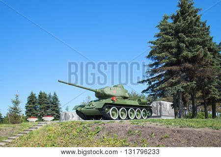 SAINT-PETERSBURG, RUSSIA - JUNE 29, 2015: Tank T-34-85, juny day. Pulkovo Heights. Historical landmark of the city Saint Petersburg