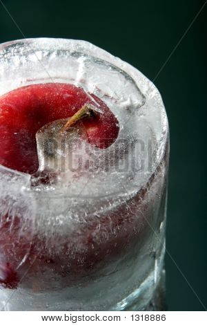 Frozen Apple Zoom