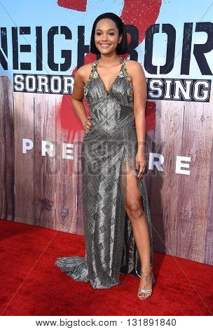 LOS ANGELES - MAY 16:  Kiersey Clemons arrives to the