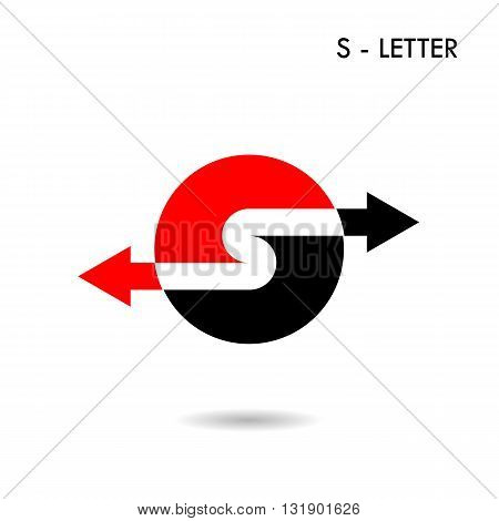 S-letter icon abstract logo design and Arrow symbol.Creative S-alphabet and Arrow symbol.Vector illustration